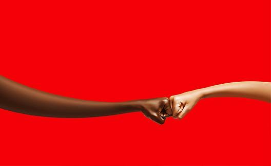 Fist Bumps: uma campanha da Coca-Cola contra o preconceito! 1