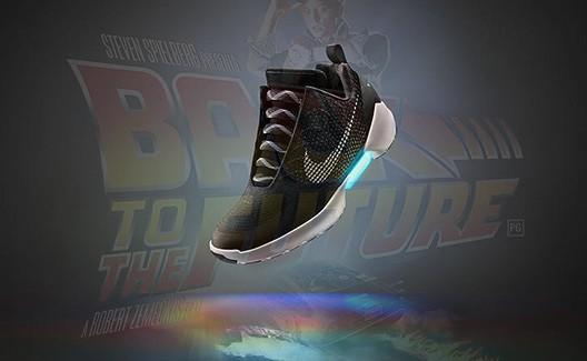 """Nike lança tênis que se """"amarram sozinhos"""" inspirados em De Volta para o Futuro, PORÉM... 2"""