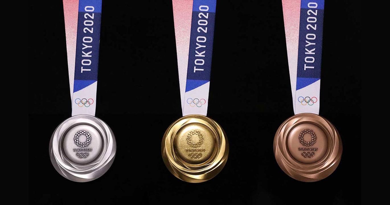 É claro que a fita da medalha também é 100% reciclada...